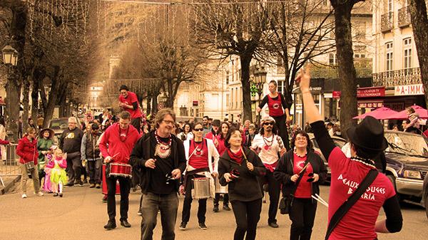 Peaux Rouges Bateria - Carnaval Luchon